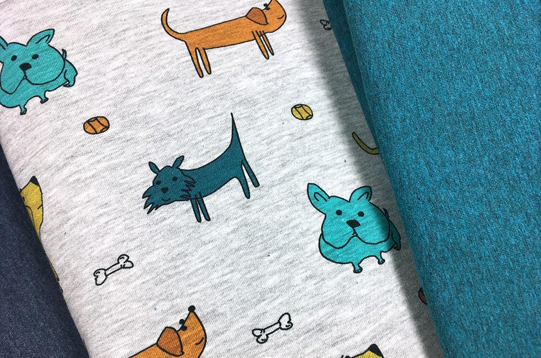Kinderstoff mit Hundemotiv