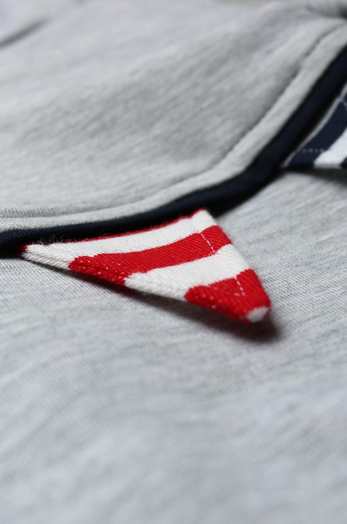 Wimpel als Verzierung am Pullover nähen